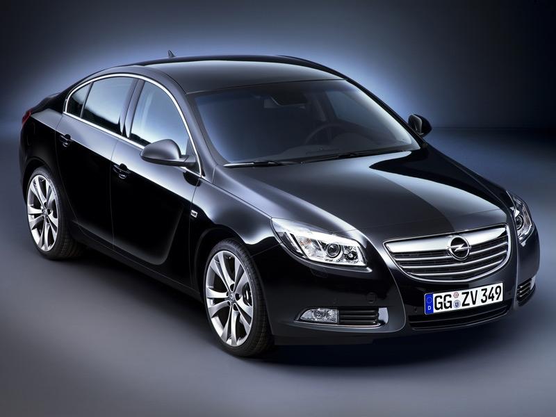 Покупатели вынудили Opel увеличить скорость Insignia