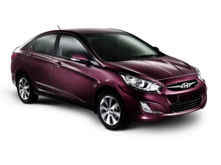Навигатор в Hyundai Solaris будет разговаривать на русском