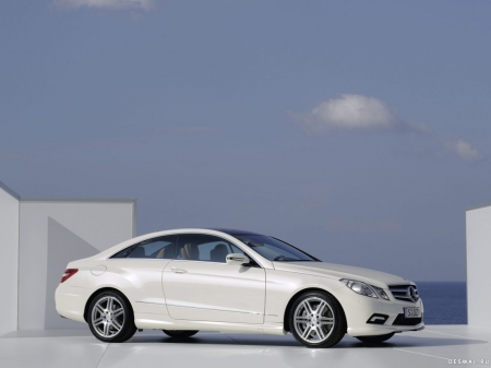 Mercedes-Benz подготовил новинку для Детройтского мотор-шоу