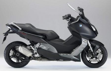 BMW выпустил макси скутер