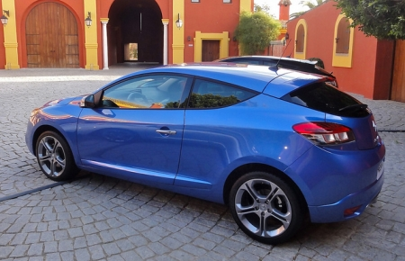 Renault на SIA 2012 обещал удивить