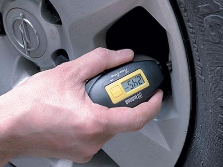 Следим за давлением в шинах